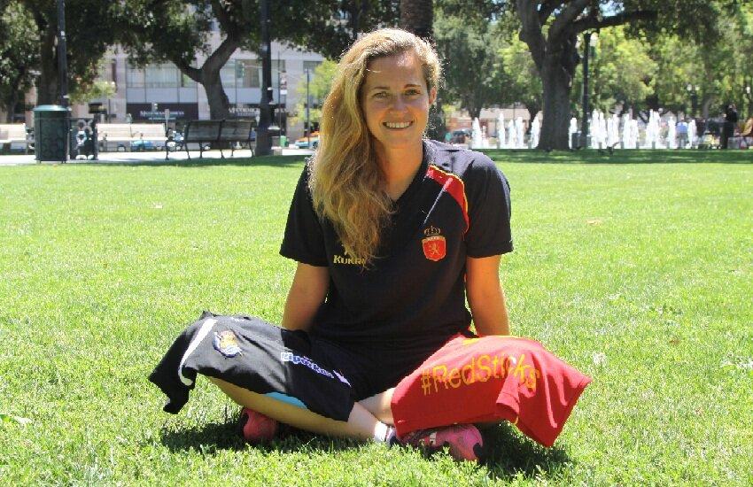 María López de Eguilaz, guardameta de hockey de la Real